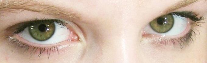 Facial expressions - Eye contact